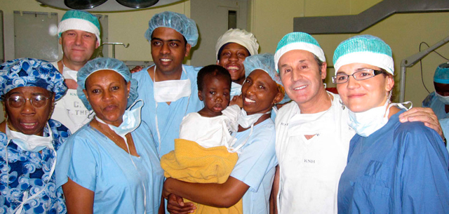 CirujanosPlástikosMundienKenia InstitutoPerezdelaRomana