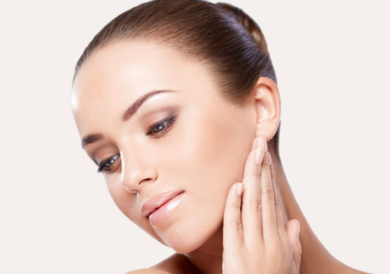 Rejuvenating facial mesotherapy mesoterapia